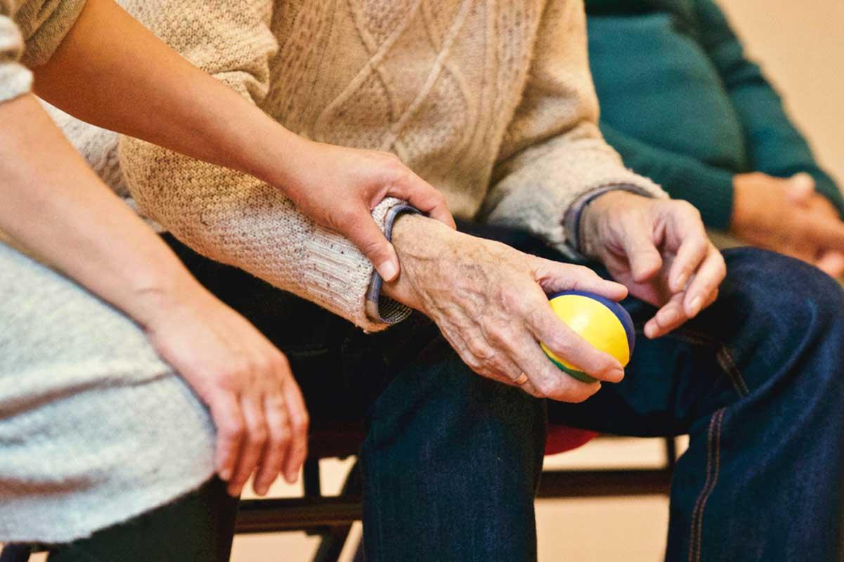 Zadłużeni starsi ludzie